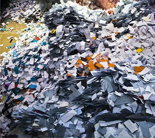 papiers à l'agence CDI Recyclage