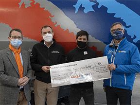 Les sauveteurs en mer de la SNSM reçoivent un don du groupe Paprec et du Crédit Mutuel Arkéa