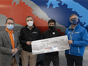 SNSM sea rescue workers receive a donation from Paprec and Crédit Mutuel Arkéa